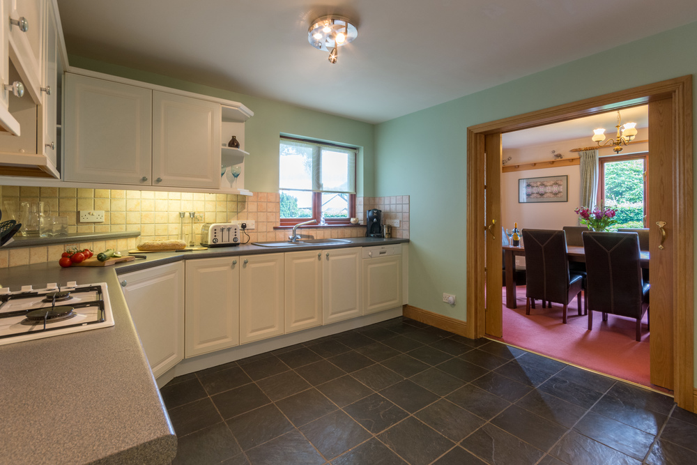 Kitchen 4 - Beech Nook Thornthwaite, Keswick Holidays Self Catering.jpg