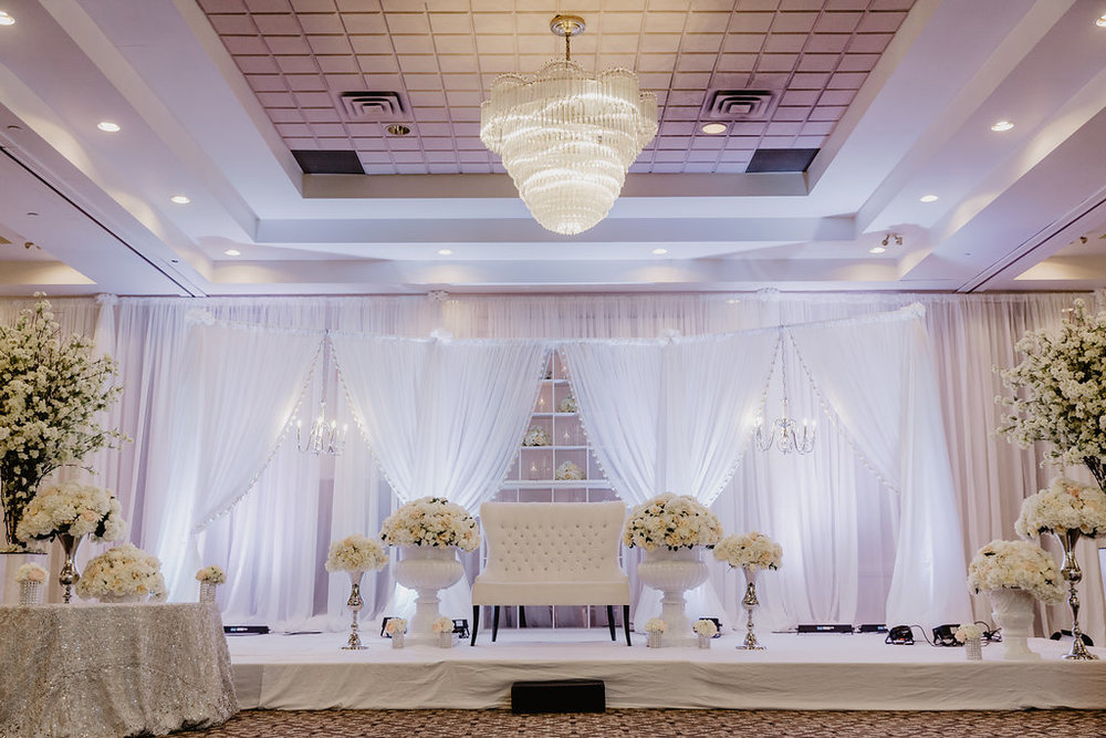 mississauga-banquet-hall-halls-reception-wedding-venue-venues (9).jpg