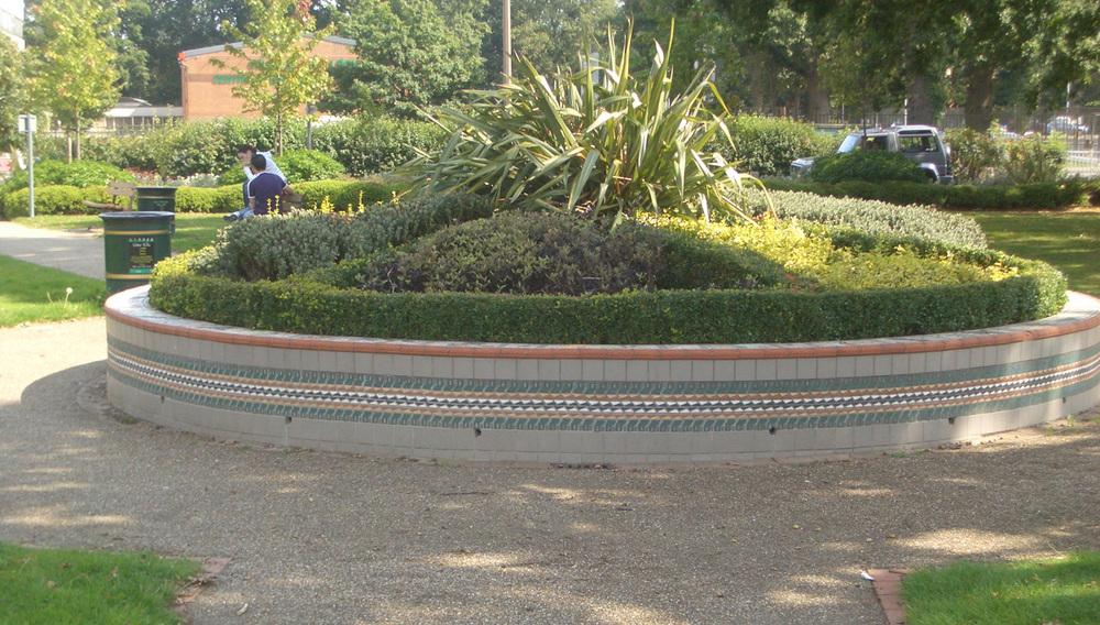 crawley planter.jpg