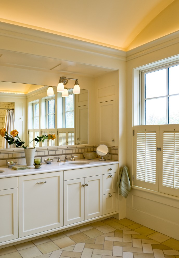 arched-ceiling-bathroom.jpg