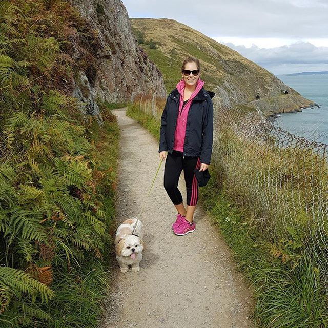 Sunday stroll #ireland #visitireland #irishcoastline #bray #greystones #wicklow #dog #dogsofinstagram