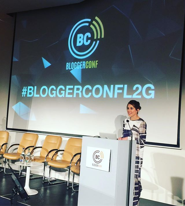 Throwback to a year ago where we had an incredible keynote @amtomchak @mashable at our November #bloggerconf in @themarkerhotel tune in to RTE at 9.35pm to watch her new documentary-Will a Robot Steal my job tomorrow night 13th November!