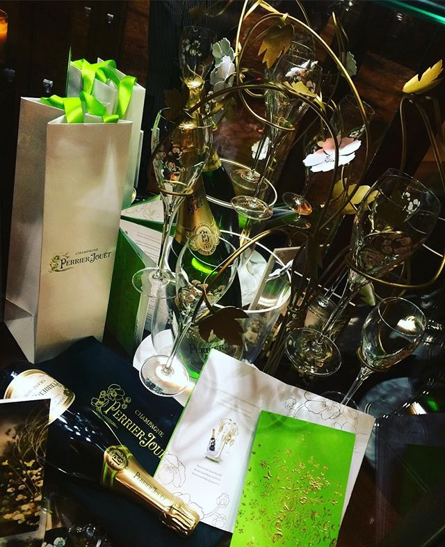 Beautiful launch of the @perrierjouet Enchanted Christmas Lounge in @westindublin on Tuesday evening.