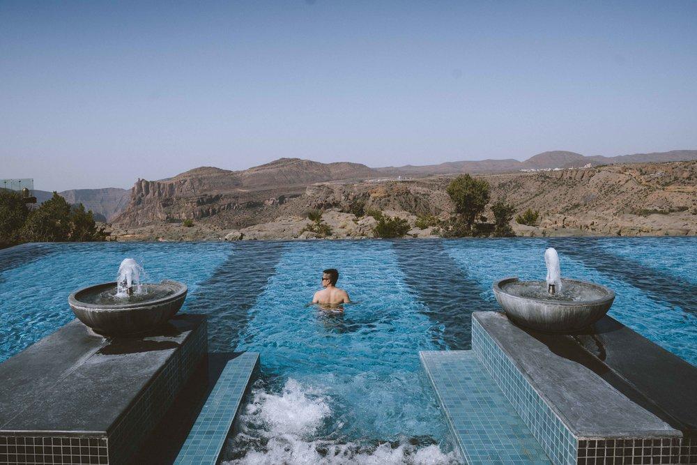 Infinity pool @ Anantara al Jabal.