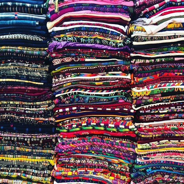 On Saturdays, we source. #hazlohandmade #hazlogoes || . . . . #visitguatemala #perhapsyouneedalittleguatemala #guate #guatemala #antiguaguatemala #socialgood #fashion #textiles #atlanta