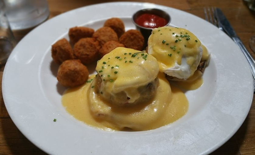 sidecar eggs benedict.jpg