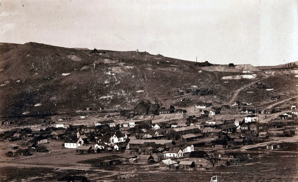 Bodie in its heyday, 1890. Click to enlarge.
