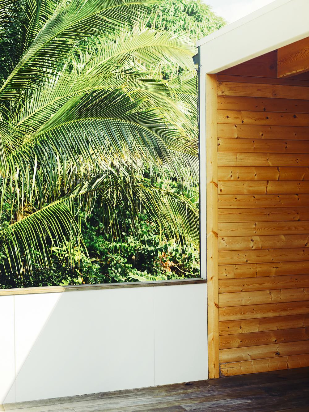 Hawaiian cabin entrance
