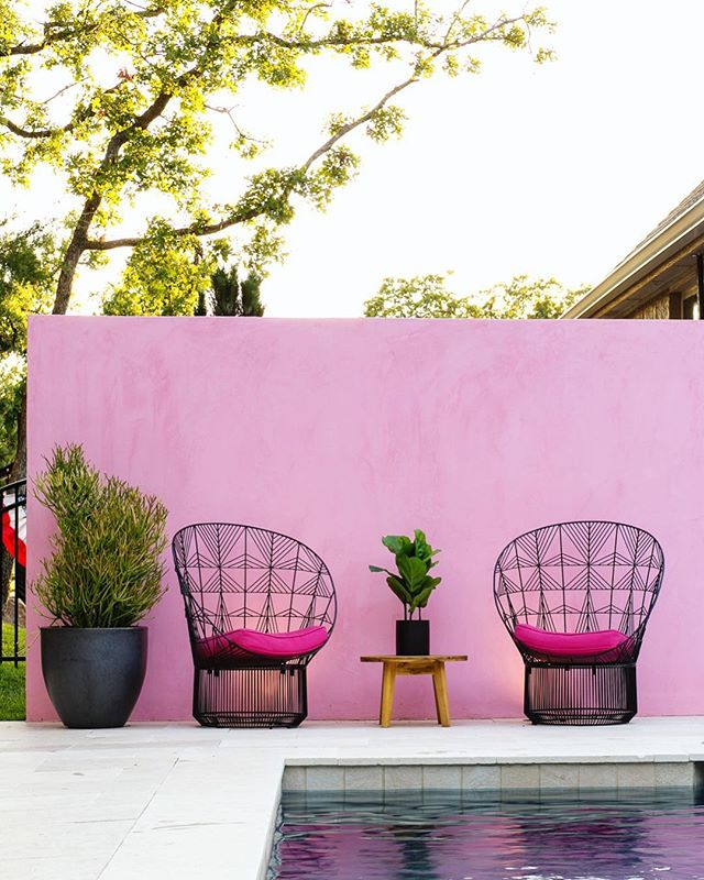 I'm finishing up some editing this morning at one of my favorite coworking spaces @halcyonworks! This photo was from a commercial shoot that involved a beautiful pool, a pink wall and a pink flamingo. My eyes keep coming back to this pink wall 😍  #photography #interiordesign #interior #design #pink #commercial #photo #inlove #realestate #pool #landscape #landscapedesign #lifestyle #luxury #luxurylifestyle #midcenturymodern #modern #love #okcrealestate #architecturephotography