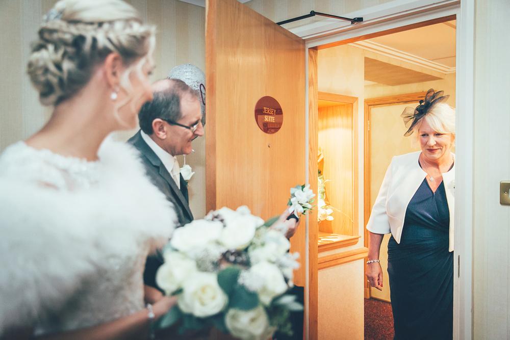 bride_apollo_hotel (2).jpg