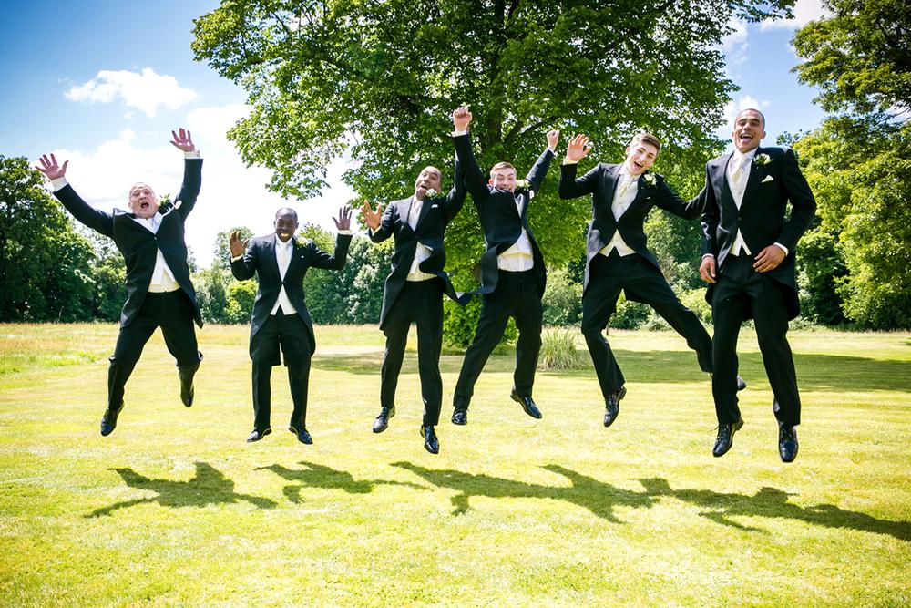 wedding_jumping.jpg