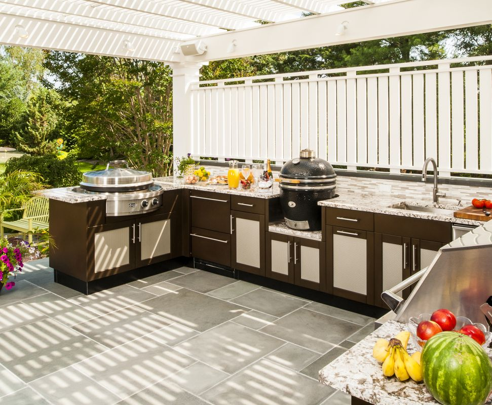 The Danver Stainless Outdoor Kitchens And Brown Jordan Outdoor Kitchens  Brands Of Stainless Steel Cabinets Are Especially ...