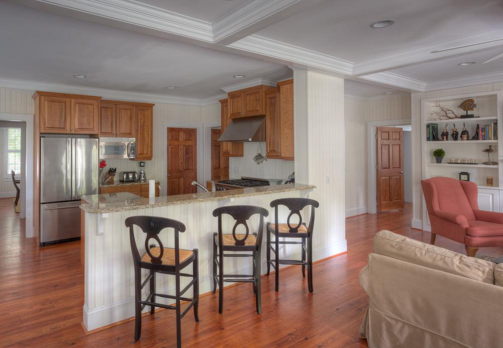 070 kitchen-bar.jpg
