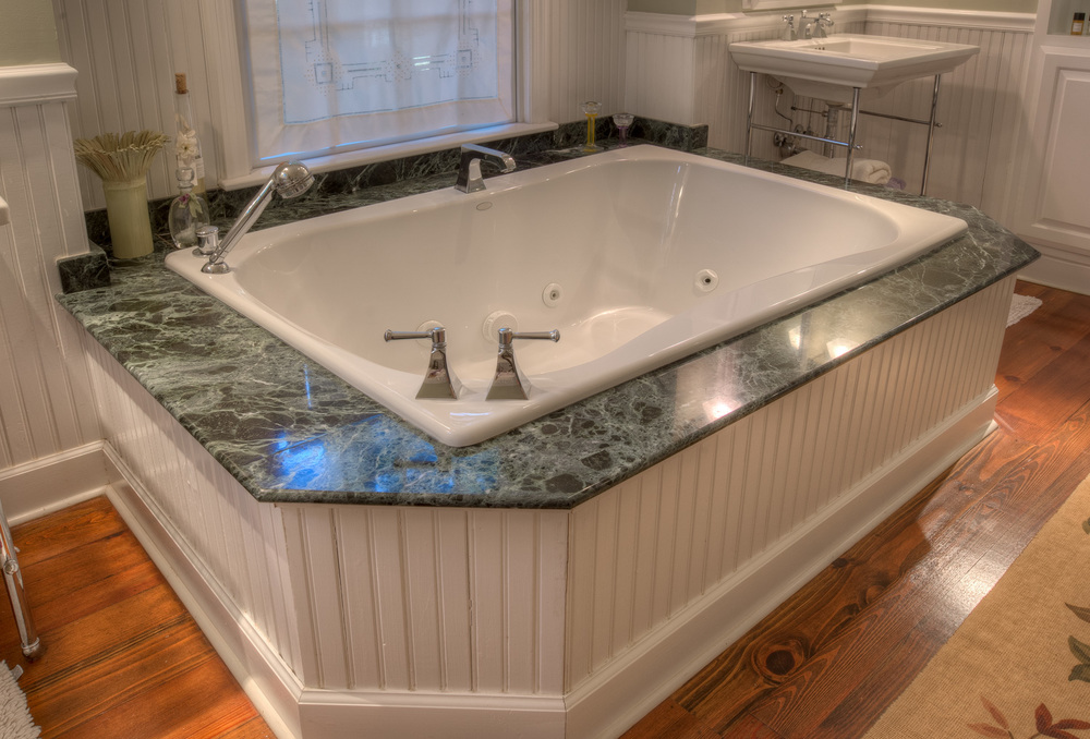 220 master-bath-tub-PS1.jpg