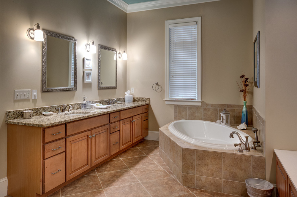 200 master-bathroom-PS1.jpg