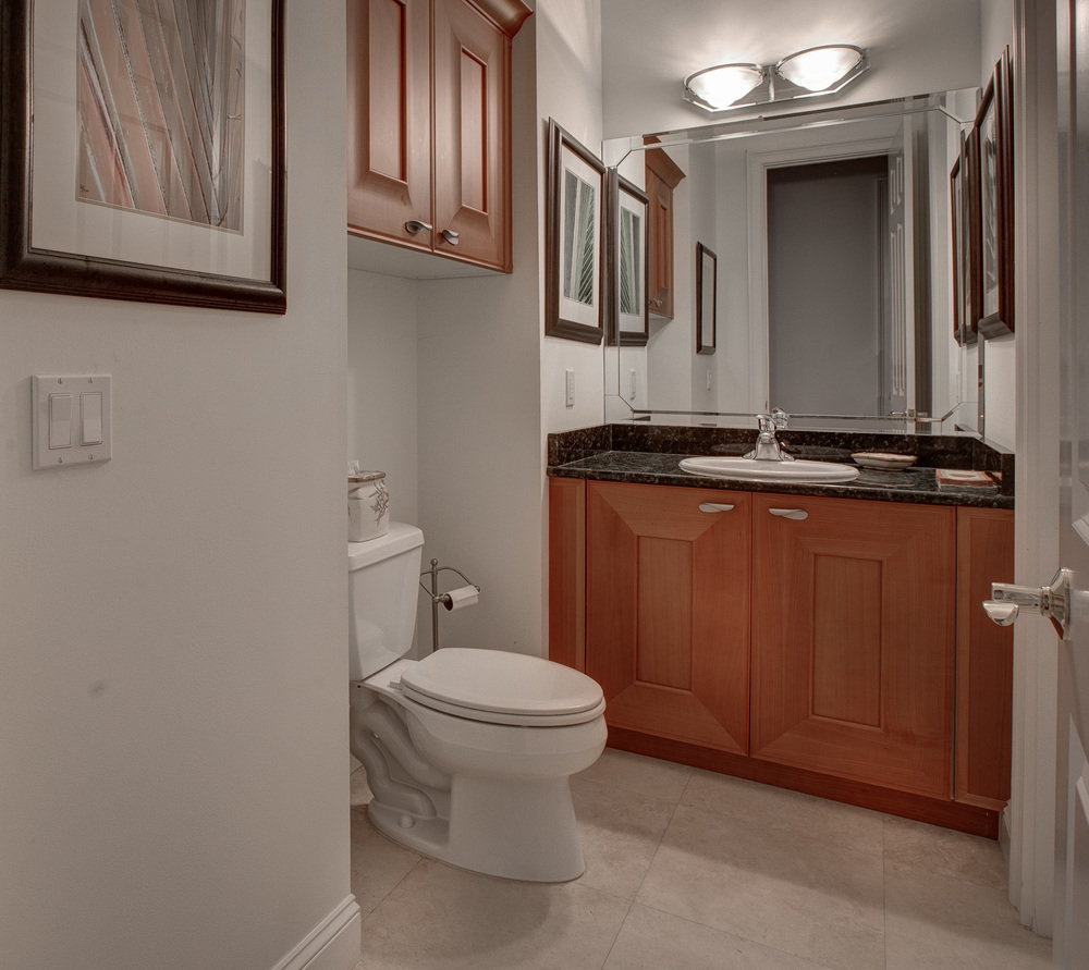 150 hall-bath.jpg