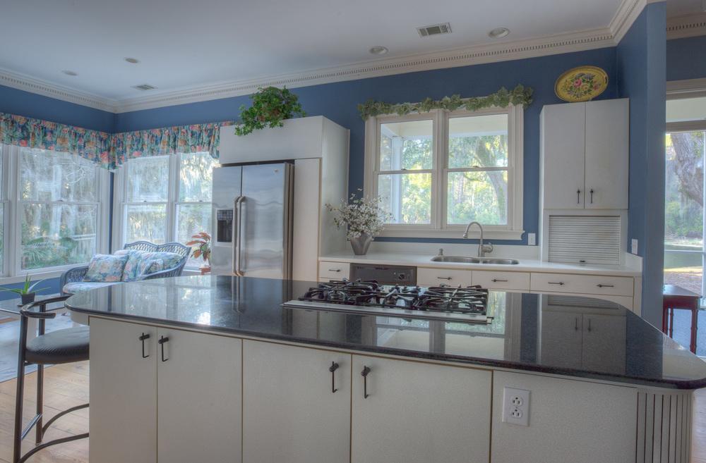060 kitchen-fridge-PS1.jpg