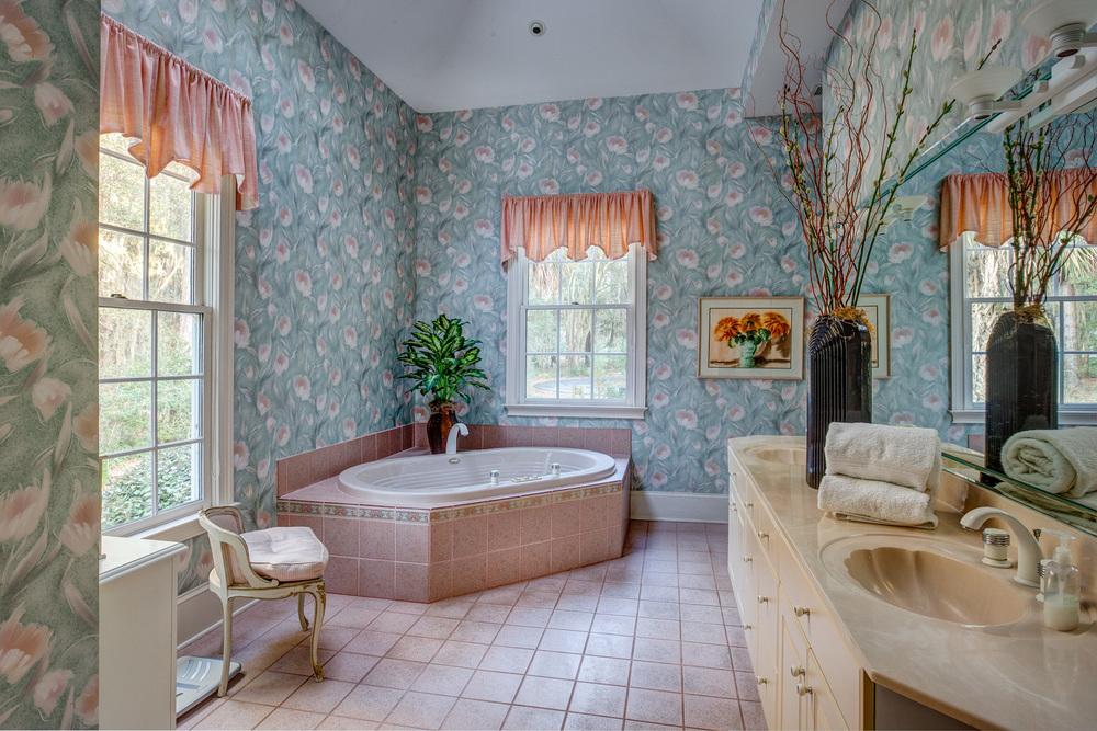 200 master-bath-PS1.jpg