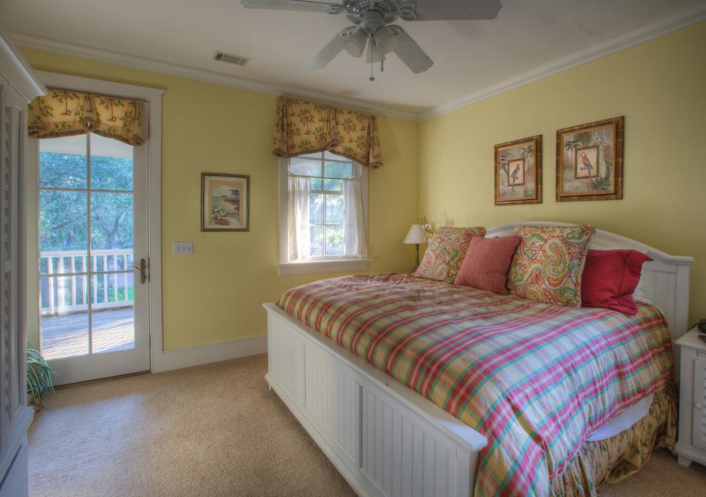 210 master-bedroom.jpg