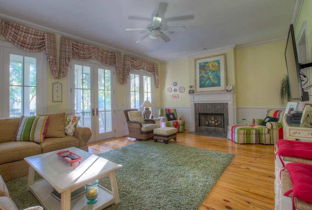 100 living-room-fireplace.jpg