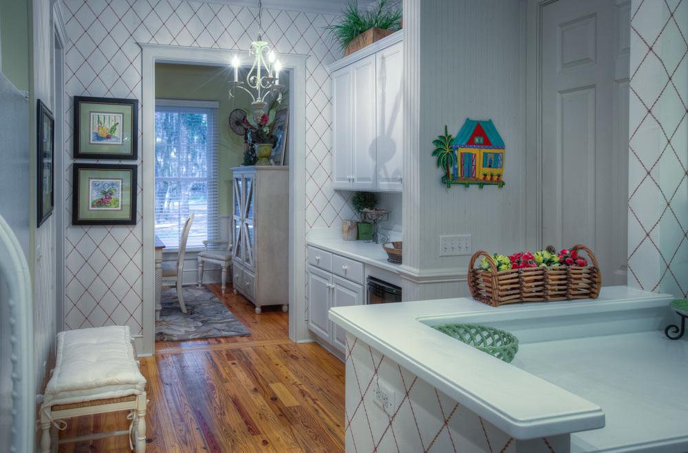 120 kitchen-front.jpg