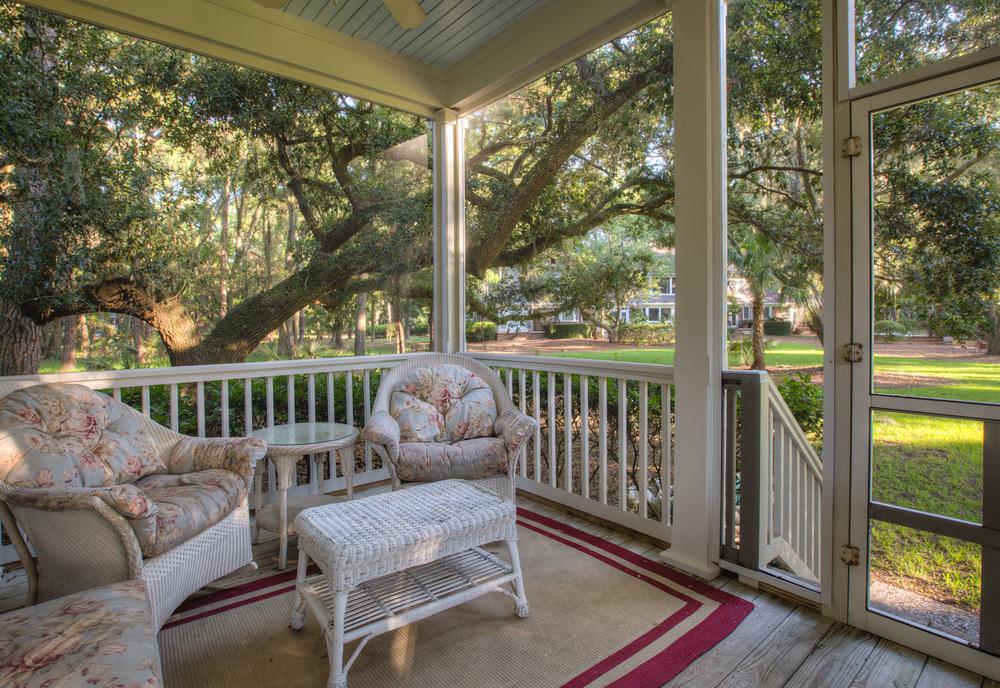 260 back-porch-right.jpg