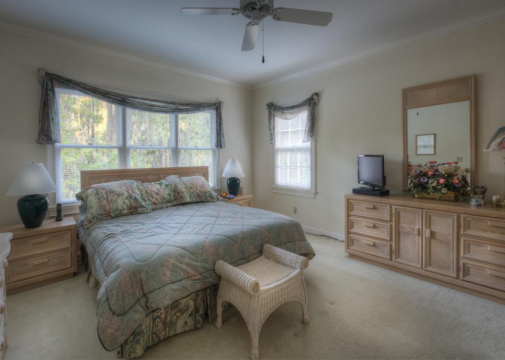 200 master-bedroom.jpg