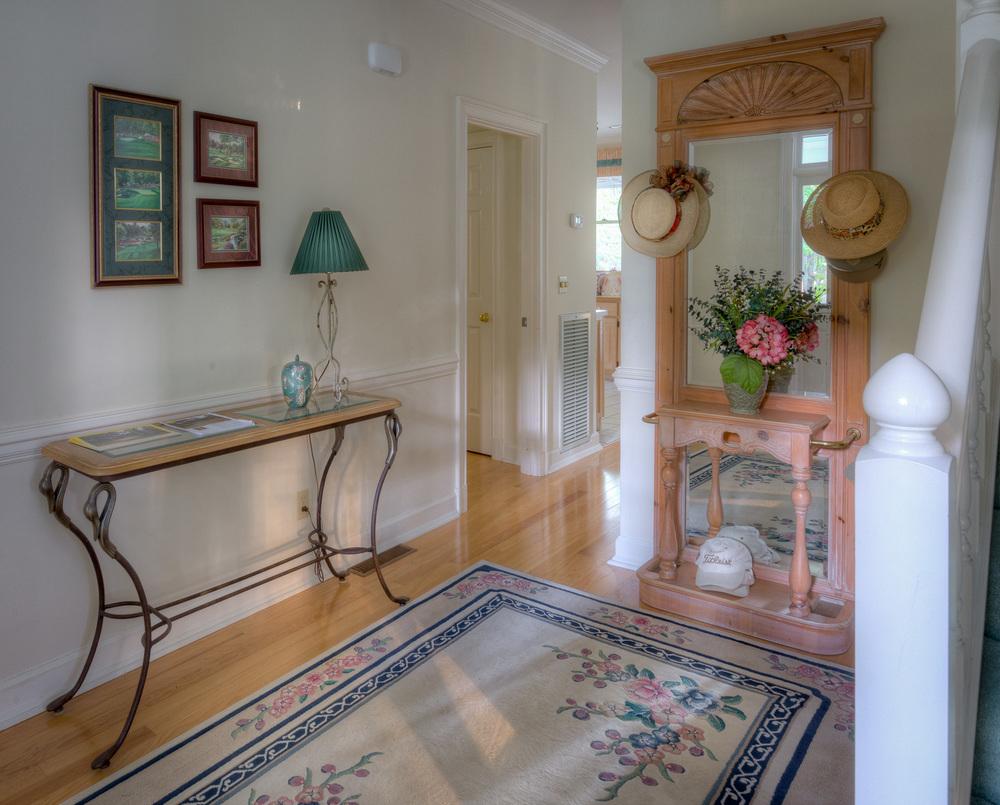 045 foyer-PS1.jpg