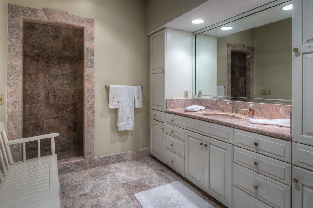 430 master-bath.jpg