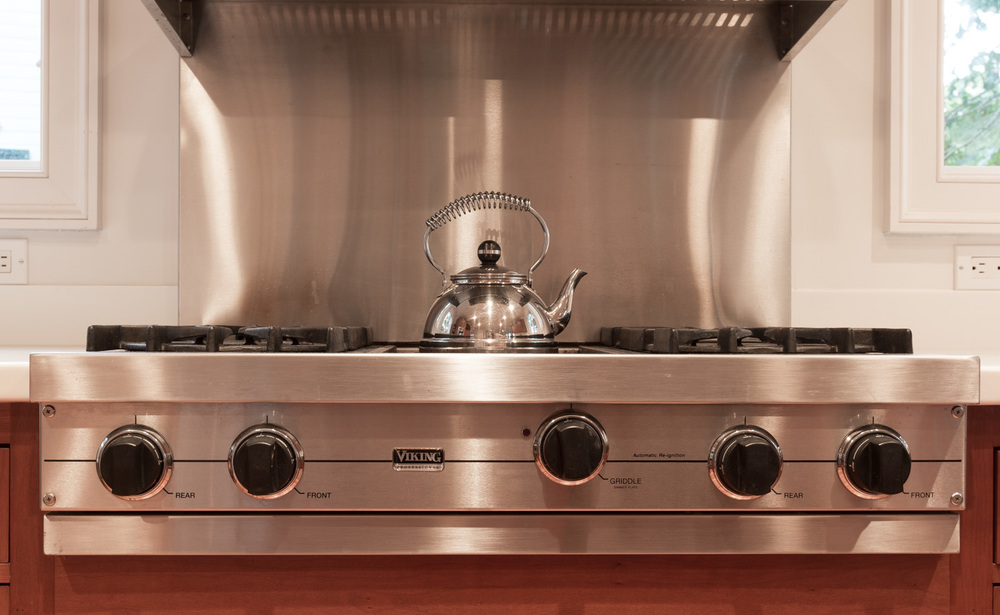 130 kitchen-cooktop.jpg