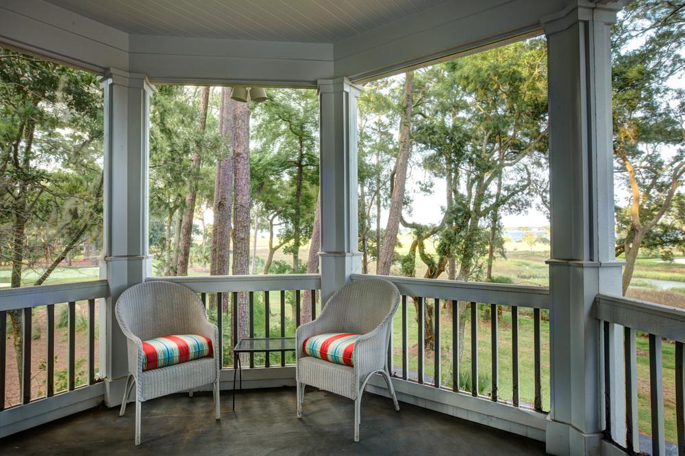 240 screened-porch-PS1.jpg