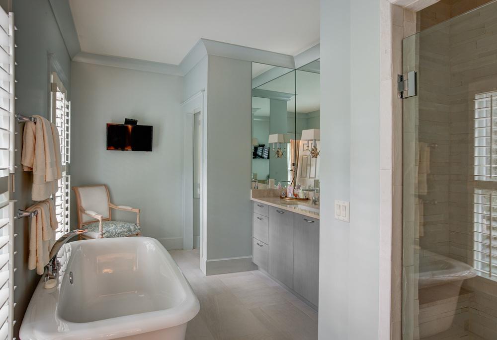 230 master-bathroom.jpg