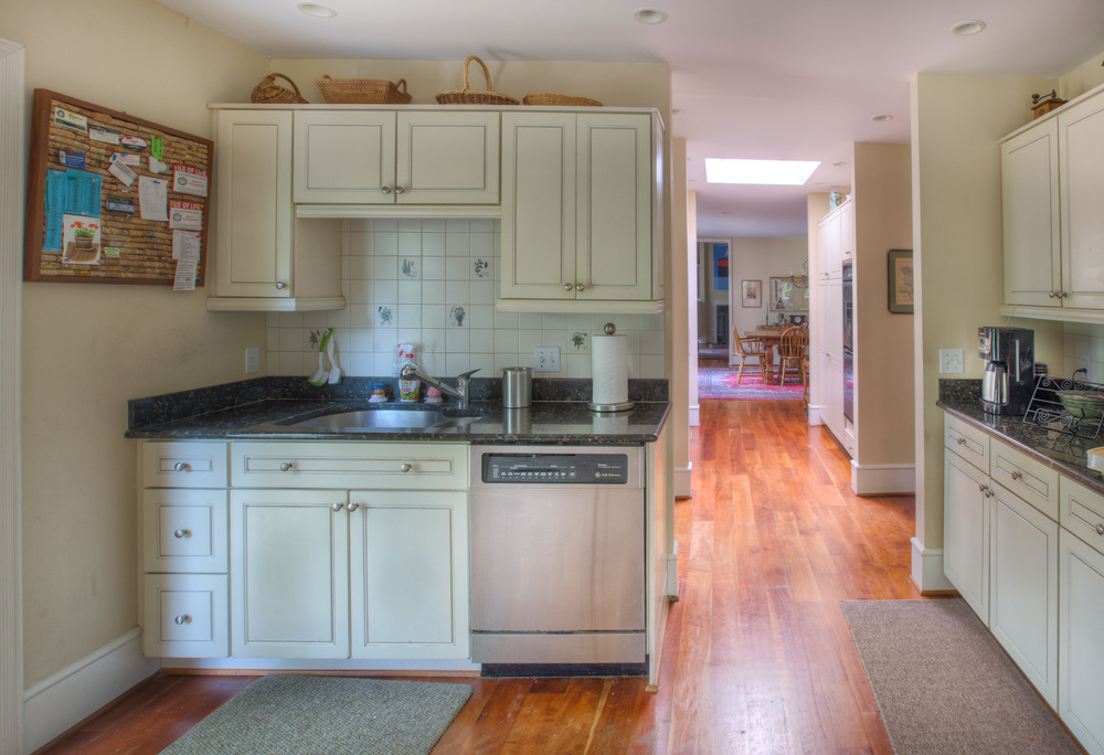 130 kitchen-hall-PS1.jpg