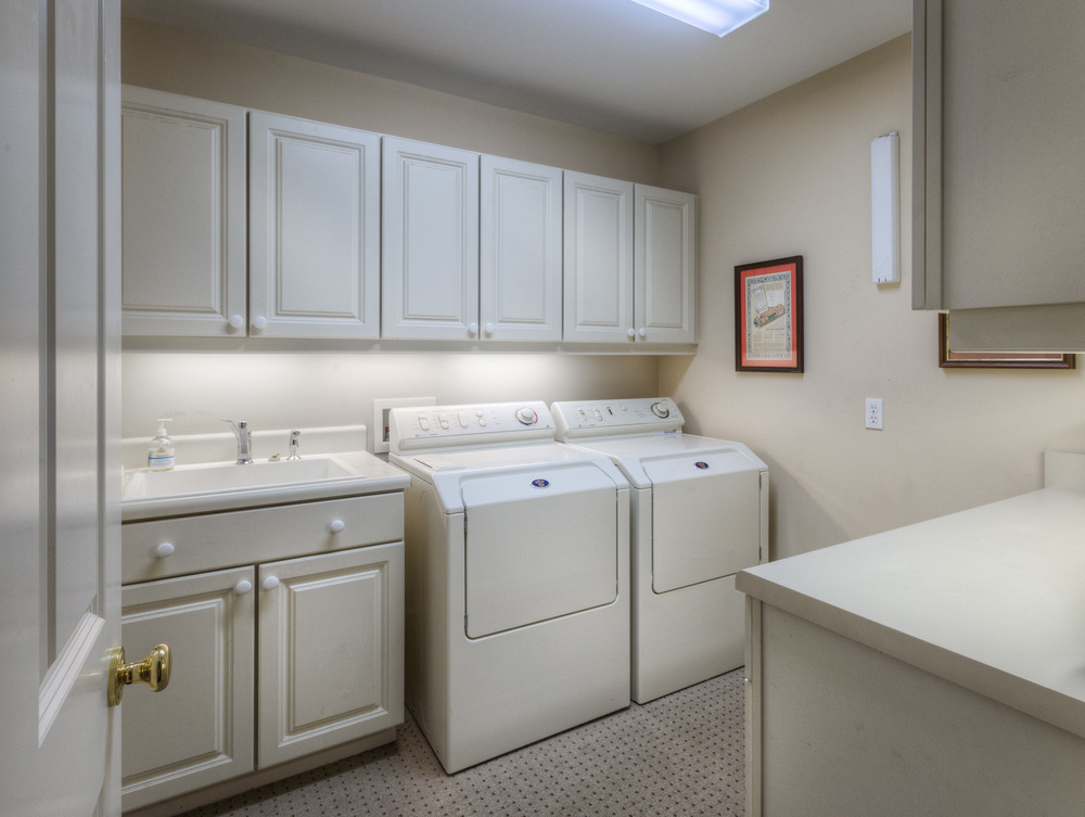 400 laundry-room-PS1.jpg