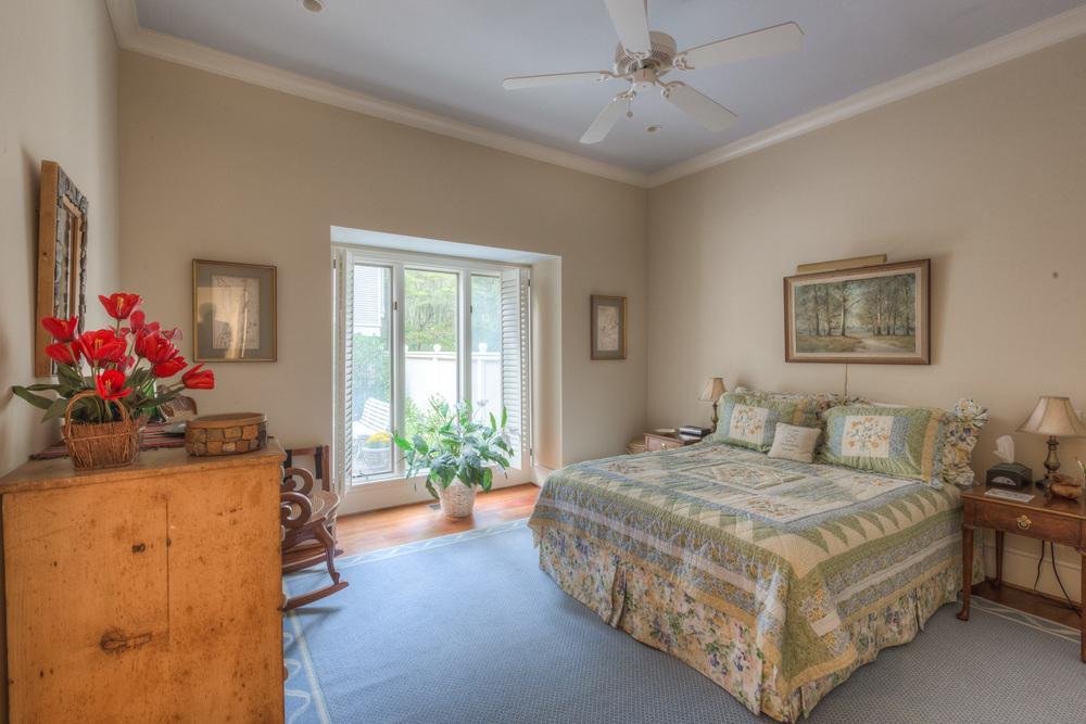 210 bedroom-main.jpg