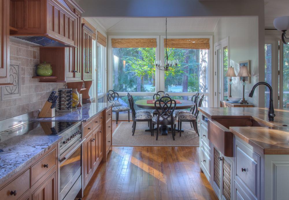 055 kitchen-dining.jpg