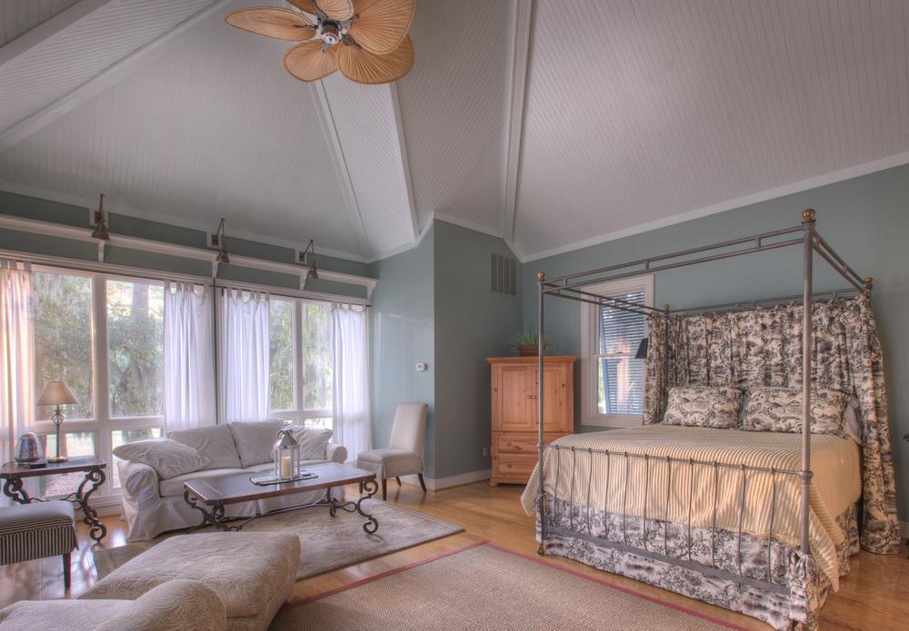 220 guest-house-bedroom.jpg