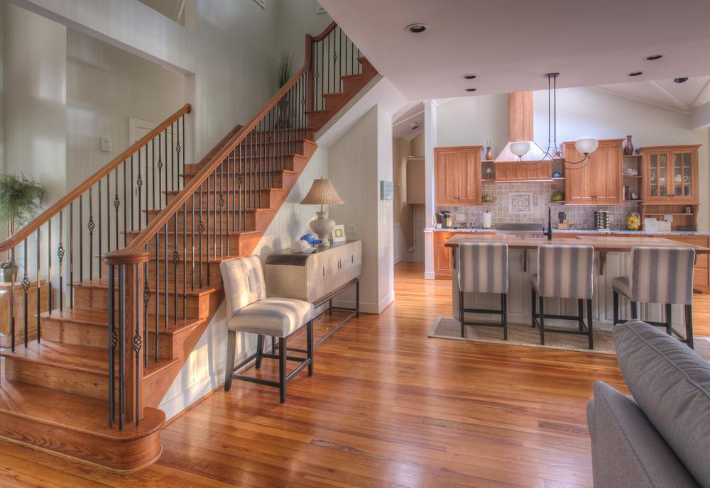 050 foyer-kitchen.jpg