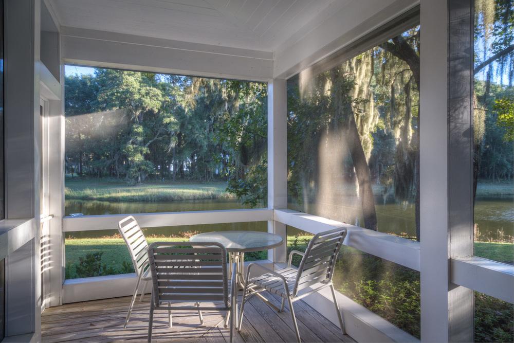 070 side-porch.jpg