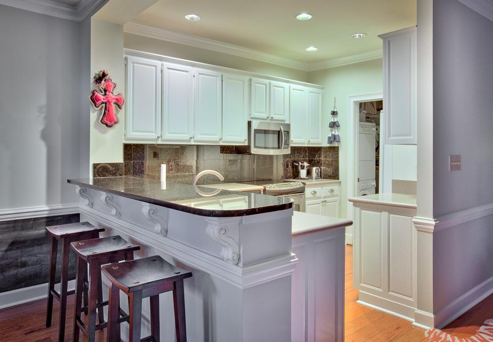075 kitchen-bar.jpg