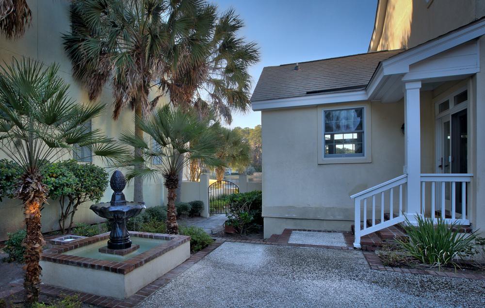 070 courtyard.jpg