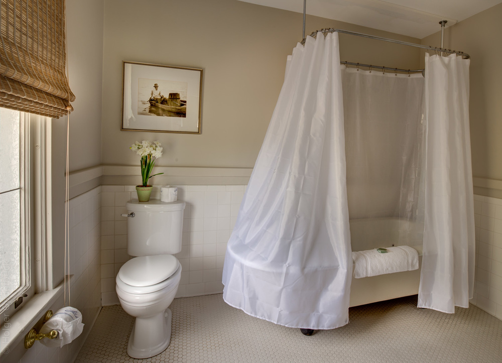 210 mongin-bathroom.jpg