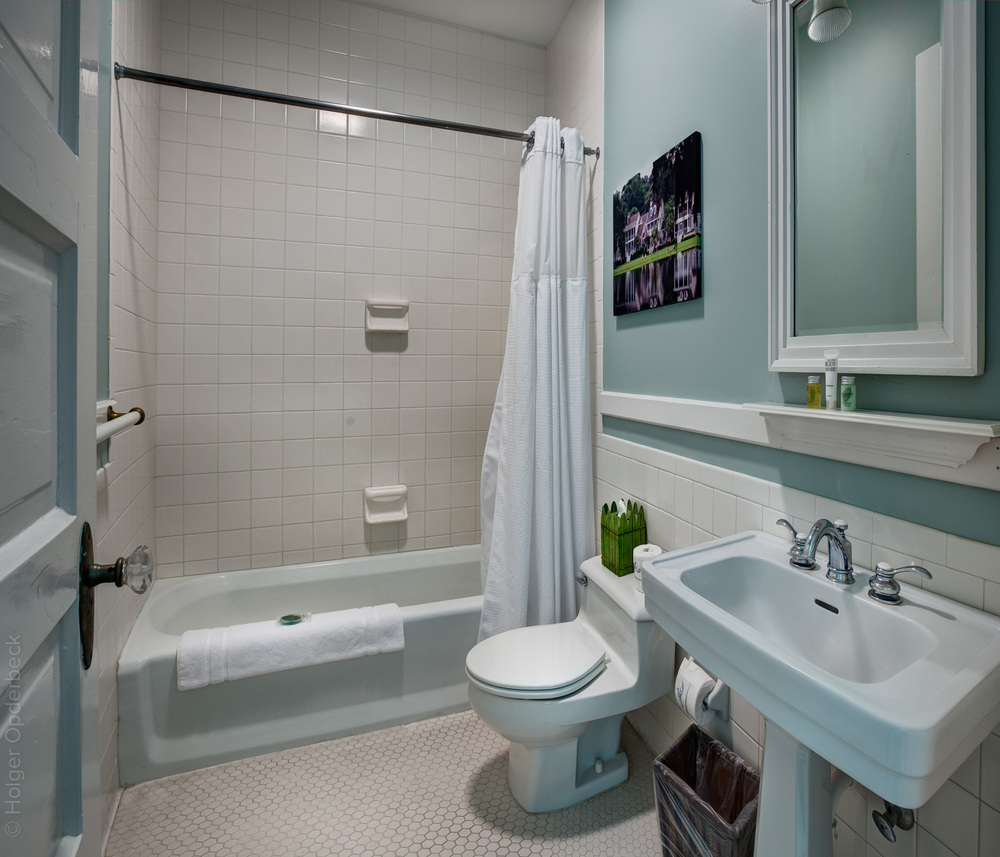 410 cockran-bathroom-PS2.jpg