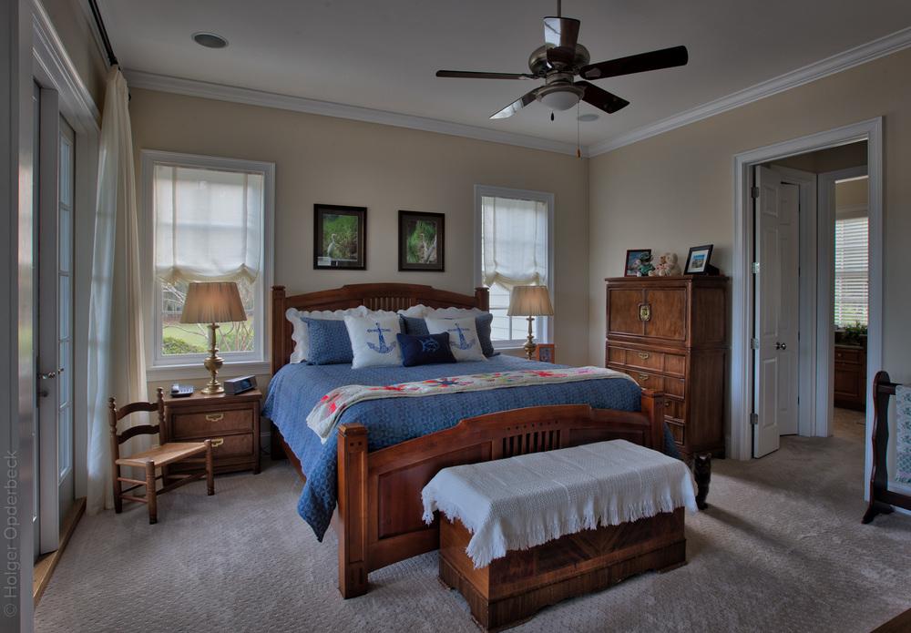 190 master-bedroom-inside.jpg