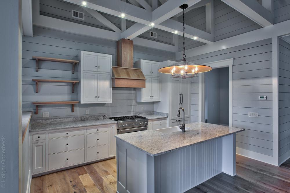 160 kitchen-front.jpg