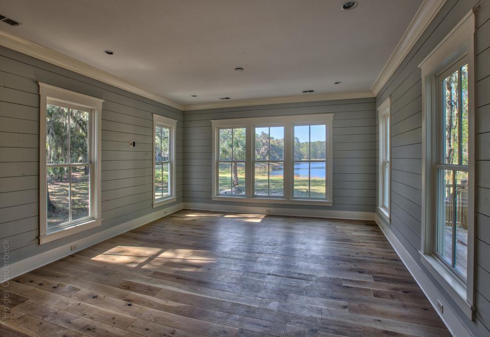 200 living-room-lake-PS1.jpg