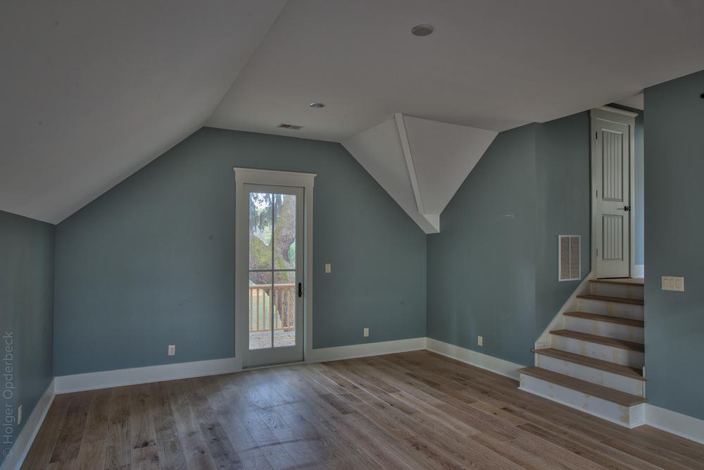 320 side-room-back.jpg