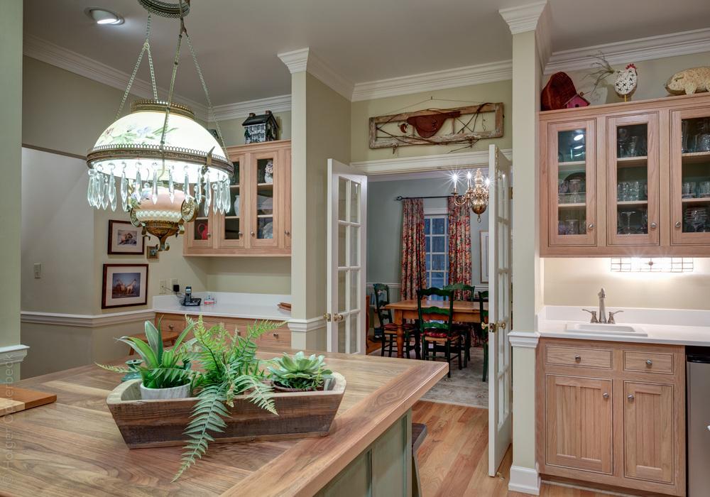 130 kitchen-to-dining.jpg