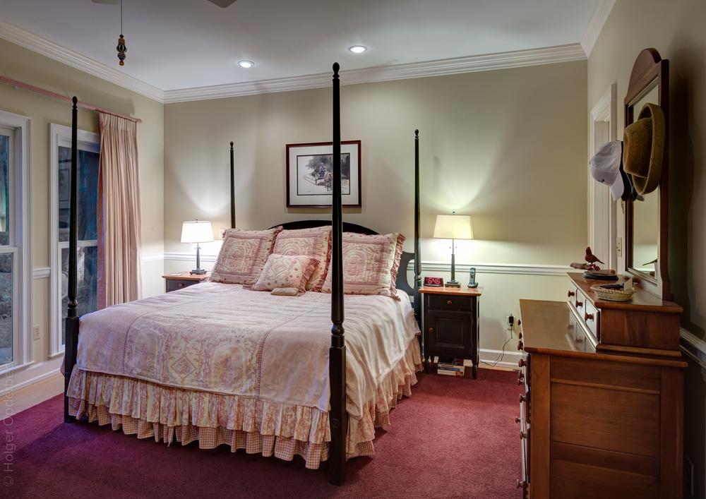 160 master-bedroom-bed-PS2.jpg