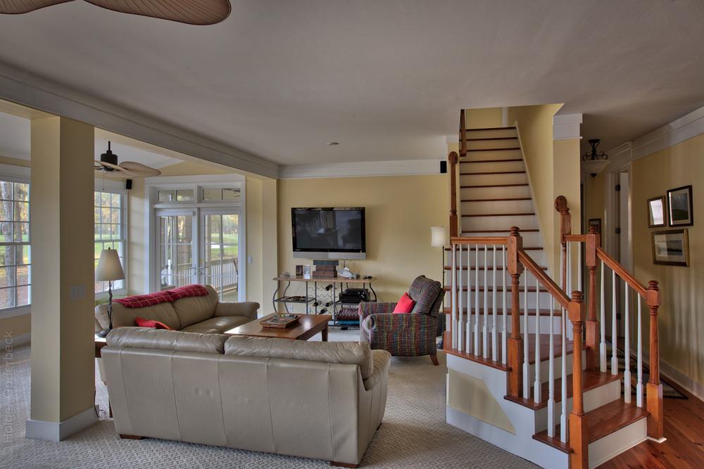 050 living-area .jpg